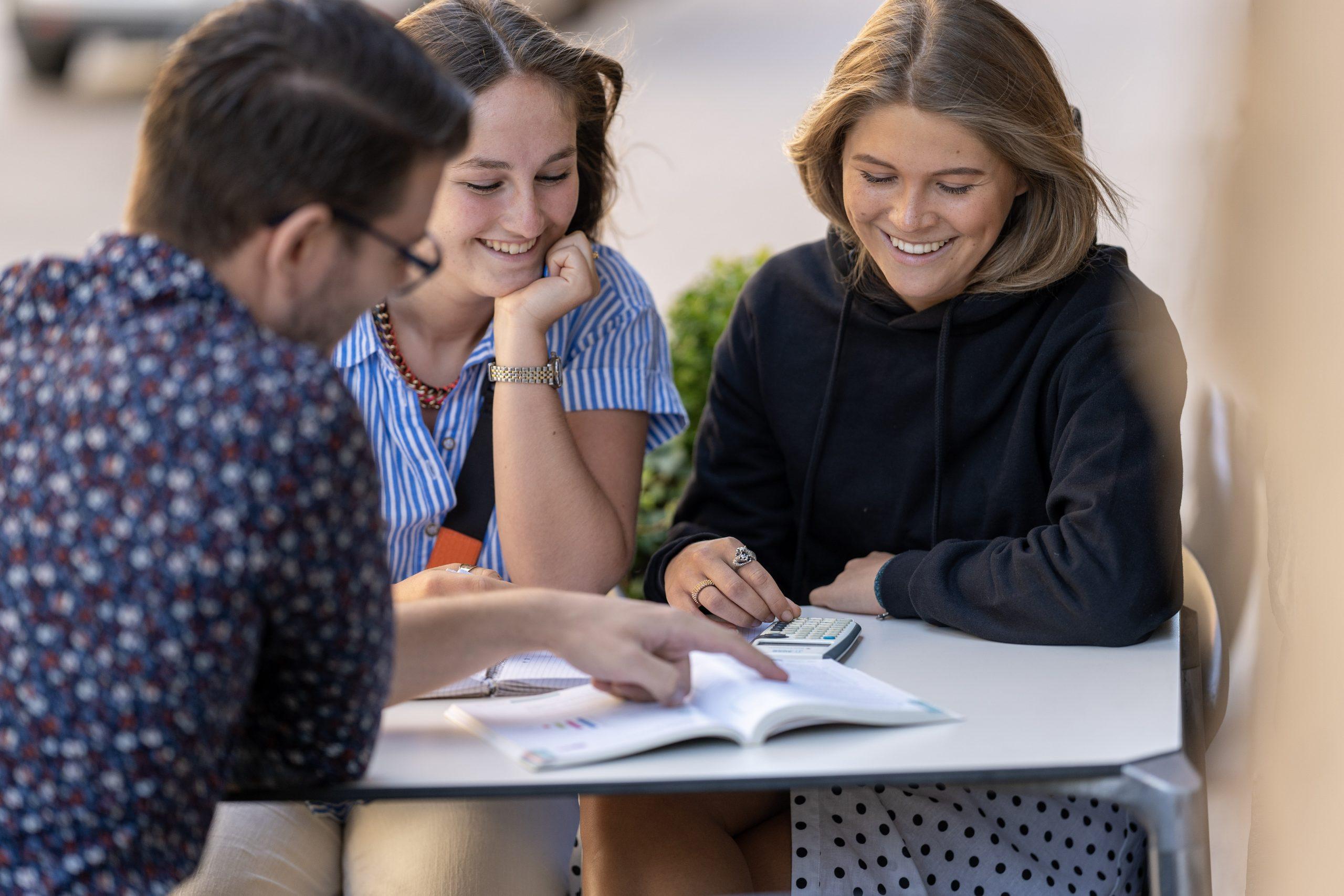 Läxhjälp online med studiecoach från ledande universitet